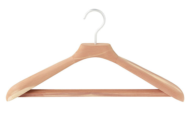 Why you should buy cedar hangers ?
